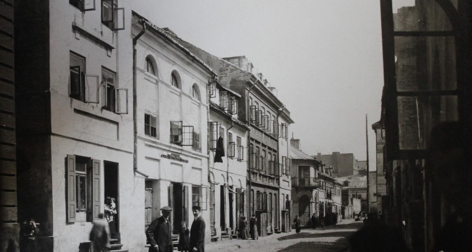 Synagogalna Street