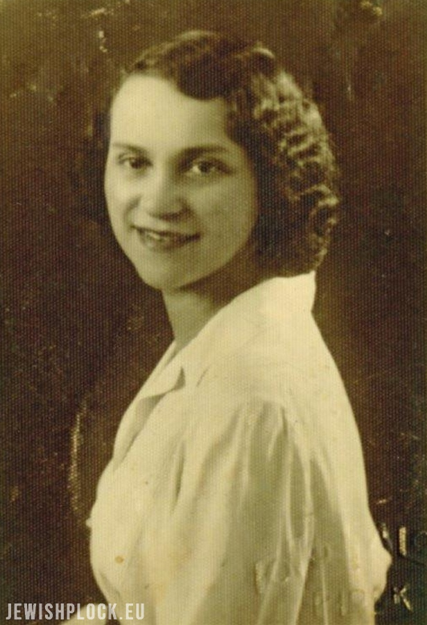 Roza Holcman (original photography in the collection of the U.S. Holocaust Memorial Museum, copy of the photo courtesy of the family), JewishPlock.eu