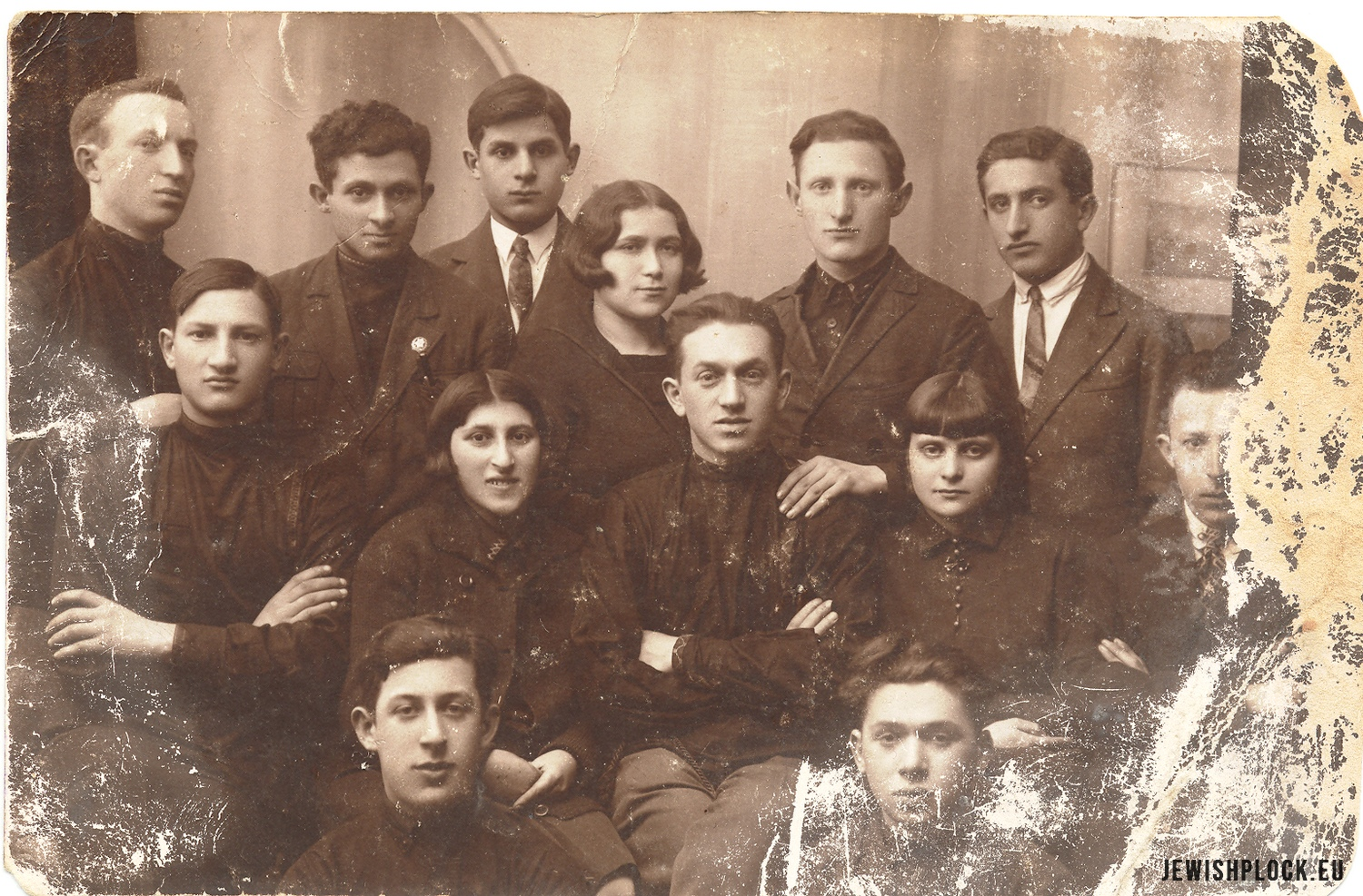 Members of the Płock branch of Hechaluc - Pioneer, 1931 (photo from the collection of the Emanuel Ringelblum Jewish Historical Institute in Warsaw), JewishPlock.eu