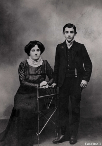 Hugra Maleńka with her brother Izydor, before 1918.