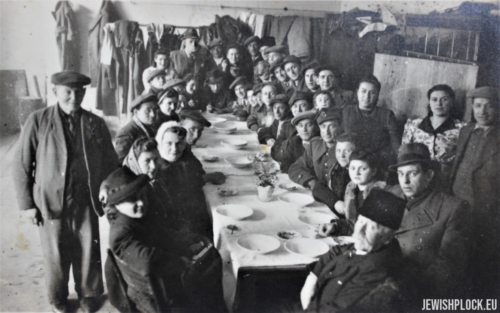 The first Passover celebrated by Płock Jews, who survived the Holocaust, April 15, 1946