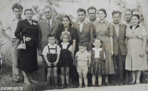 Fuks, Luidor and Koryto families. In front there are children (from the right): Regina (Rina) Fuks, Leonard (Arie) Fuks, Pnina Koryto and Adam Luidor, Israel 1951
