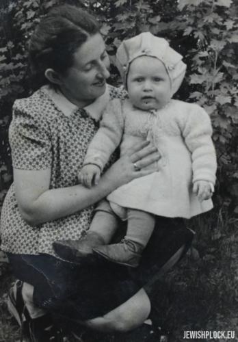 Chaja Sura Fuks z córką Reginą, 1947 rok