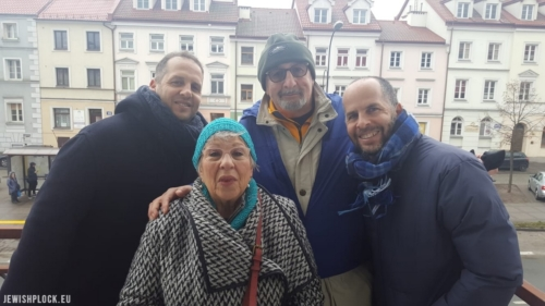 Photo taken on the balcony of 20 Kwiatka Street in Płock (Jenta Bomzon's apartment) on 10 February 2020. From left to right: Ilan Bomzon, Sandra Brygart Rodriguez, Arieh (Lionel) Bomzon, and David Bomzon.