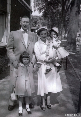 The Brygart family: Samek, Frymeta, Sandra and Leslie, Chicago ca. 1955