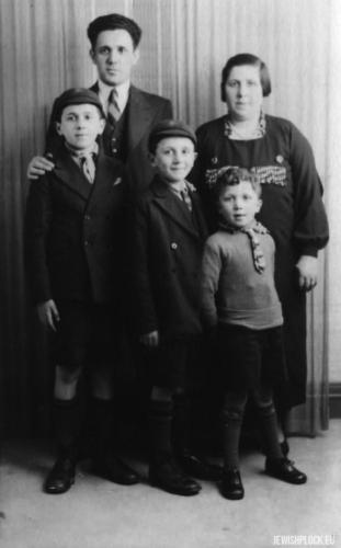 Jetka i Szmuel Celnerowie z synami, Londyn, lata 40. XX wieku