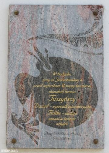 Tablica upamiętniająca braci Tuszyńskich w Płocku, fot. P. Dąbrowski