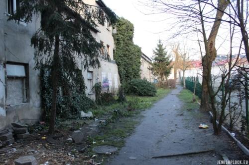 Podwórze nieruchomości przy ul. Kwiatka 10, fot. Piotr Dąbrowski