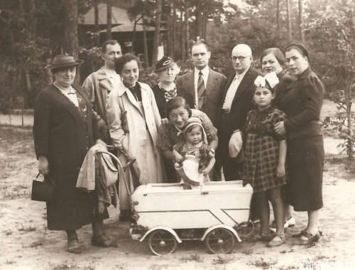 The Wajcman family, Świder 1938