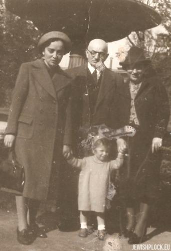 Rodzina Wajcman: Estera, Izydor, Lusia i Joasia, Warszawa 1938 rok
