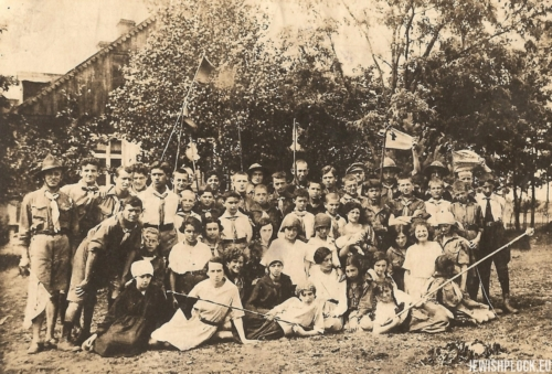 Summer camp of Hashomer Hatzair (in the photo, among others, Estera Wajcman and her friend Anka Szpidbaum), 1920s