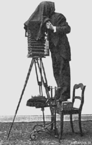Edward Flatau preparing photographs for his brain atlas. Source: Wikipedia Commons (public domain)