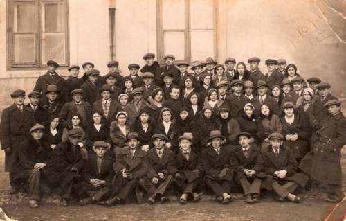 "Members of the ""Frajhajt"" organization in Płock, 1932 (photo from the collection of Pnina Stern)"
