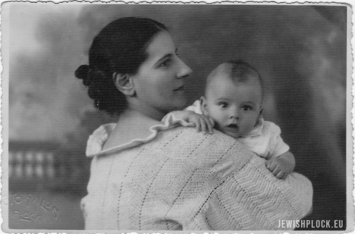 Evez Holcman with his mother, 16.09.1936, photo by A. Watman