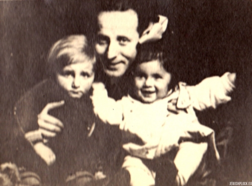 Kuba Guterman with his cousin and father Symcha, 1930s