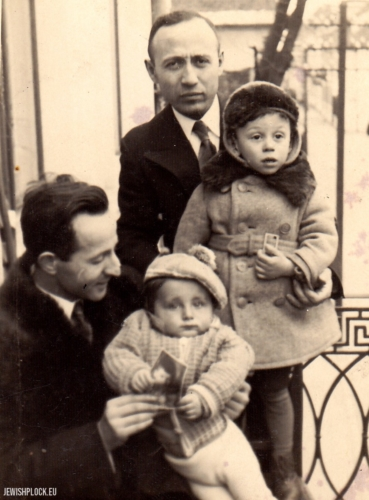 Kuba Guterman with his father Symcha on the balcony of the Kowalski family (Hela (Halina) - Symcha Guterman's sister was the wife of engineer Marek Kowalski), 1936