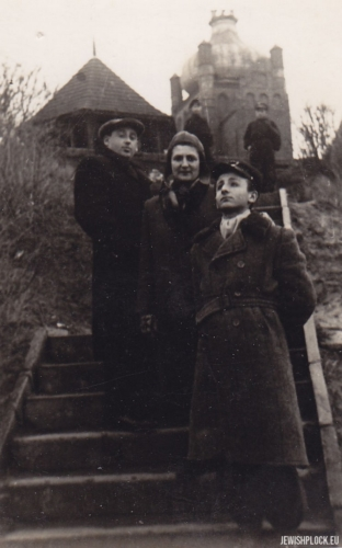 Kuba Guterman with mother Ewa and Szlomo Chaim Grzebień on the Tum Hill in Płock, 1950