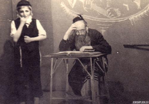 Amatorska grupa teatralna w powojennym Płocku: Kuba Guterman i Jerzy Margulin, l. 40. XX wieku
