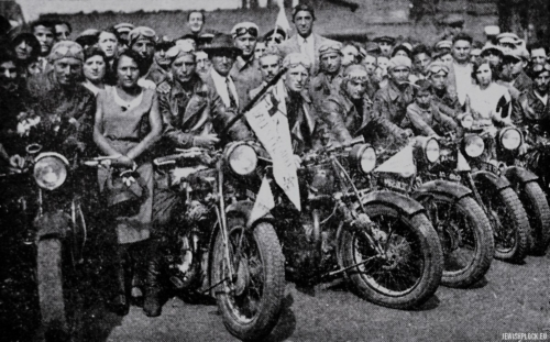 "Visit of Makabi motorcyclists from Tel Aviv in Płock, 1930 (source: Yizkor Book, Plotzk - A History of an Ancient Jewish Community in Poland, published by Eliyahu Eisenberg, ""Hamenora"" Publishing House, Tel Aviv 1967)"