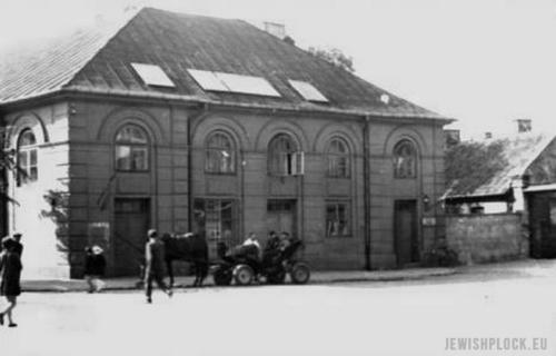 Budynek szkoły żydowskiej przy ulicy Kwiatka 7, 1966 r. (Archiwum Wojewódzkiego Konserwatora Zabytków w Płocku)