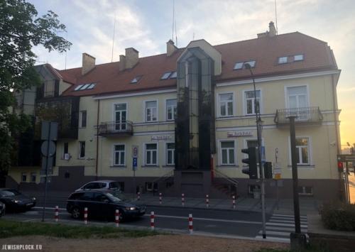Kamienica na rogu ul. Kolegialnej, w której mieściła się kancelaria adwokacka Maurycego Markusfelda. Fot. Piotr Dąbrowski