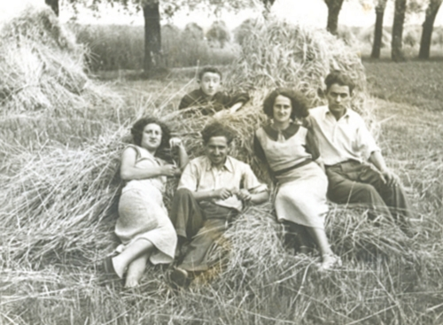 The Nelkin family: Leonard, Anna, Mordka, Dwojra and Maurycy, 17 July 1938