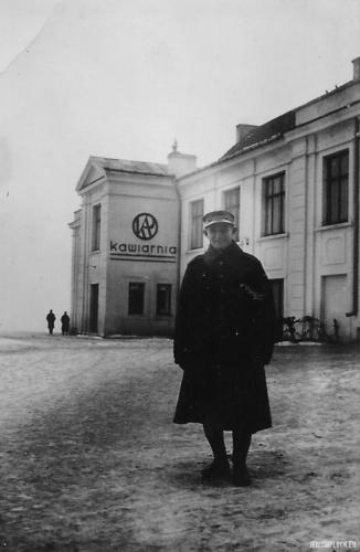 Motel Perelgryc (w tle kawiarnia Klubu Artystycznego Płocczan), Płock, lata 30. XX wieku