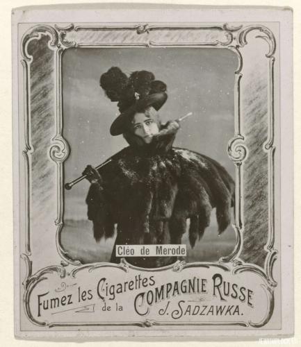 Etykietka pudełka papierosów firmy Józefa Sadzawki z wizerunkiem francuskiej tancerki Cléo de Mérode; źródło: www.europeana.eu