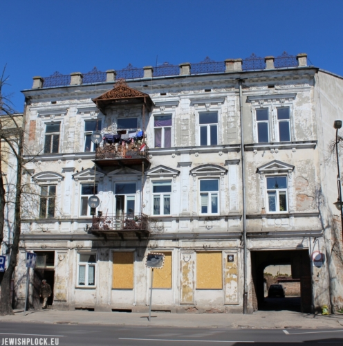 The front tenement house at 48 Sienkiewicza Street currently (photo by Piotr Dąbrowski)
