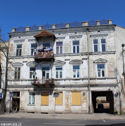 Kamienica frontowa przy ul. Sienkiewicza 48 obecnie (fot. Piotr Dąbrowski)