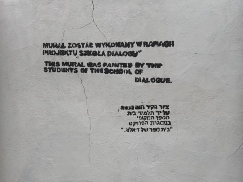 Mural upamietniający stary cmentarz żydowski w Płocku (fot. P. Dąbrowski)